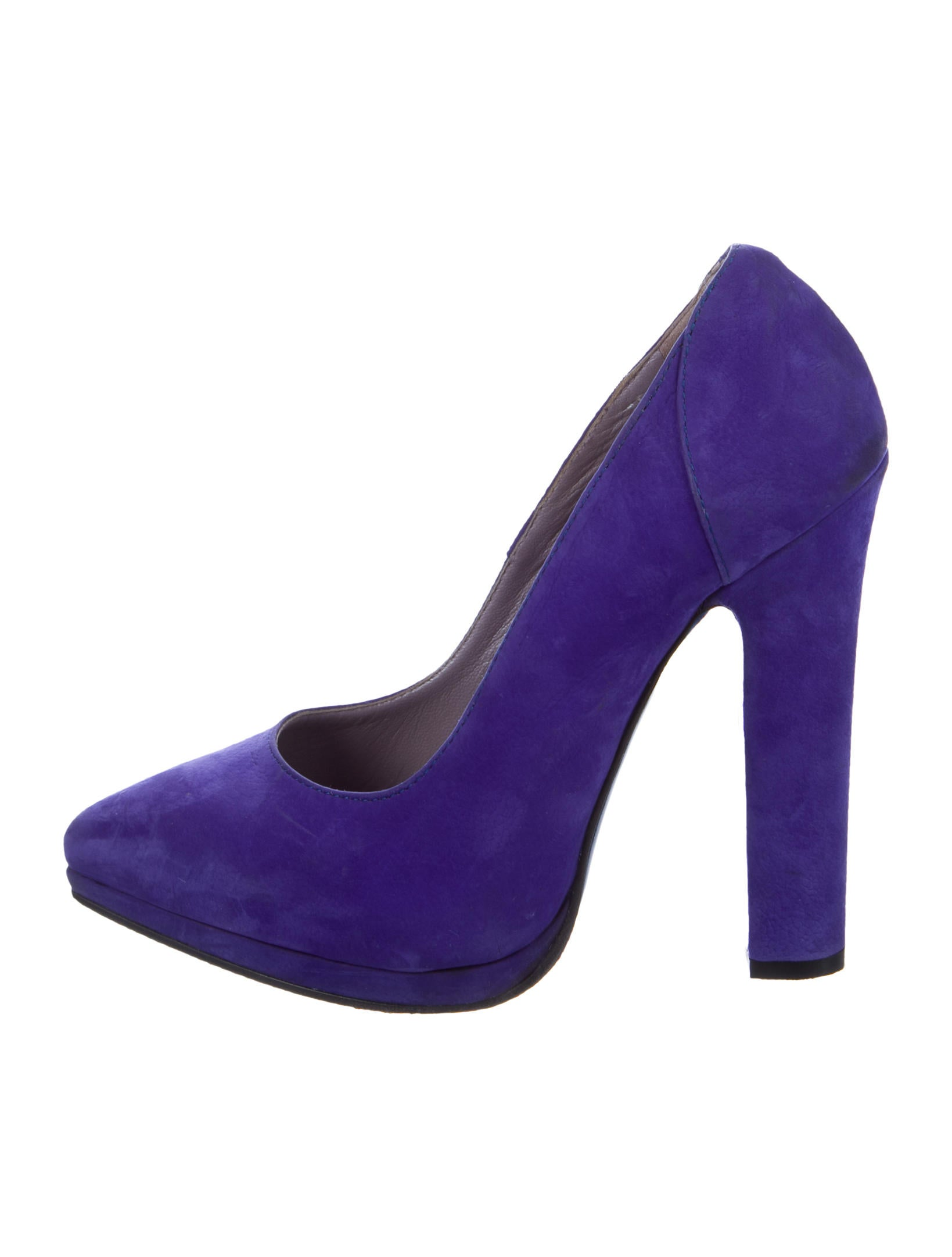 Versace Pointed Toe Platform Pumps Shoes VES31285  : VES312851enlarged from www.therealreal.com size 1639 x 2162 jpeg 105kB