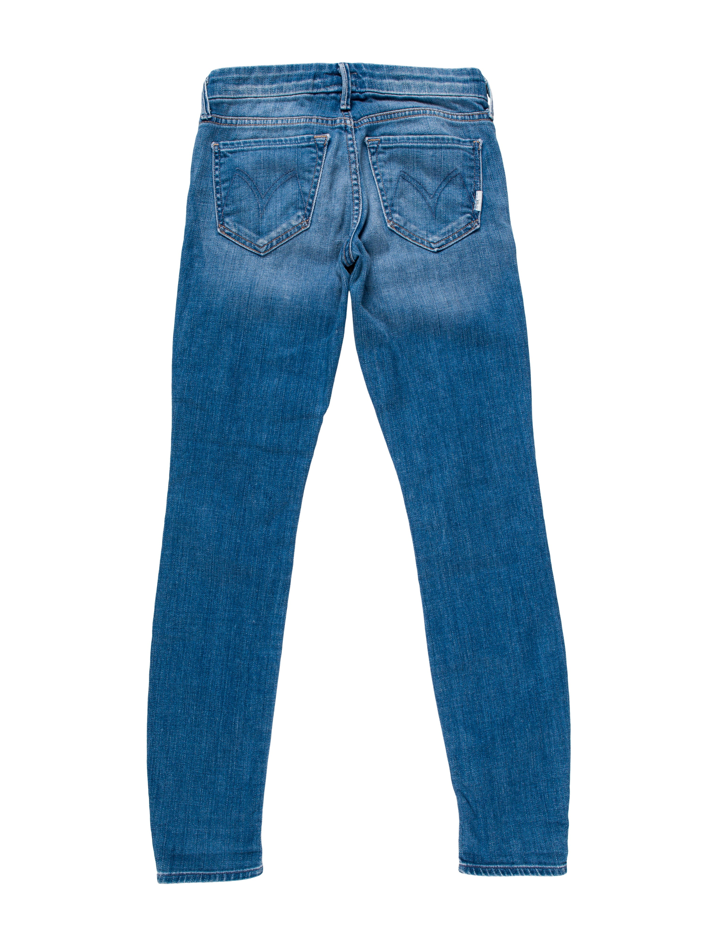 Find your perfect pair of women's skinny jeans at Express! We have sleek skinnies in a variety of washes, colors and styles to match your every mood. Show off your shoes, lengthen your legs and strut your stuff in absolute confidence thanks to Express women's denim.