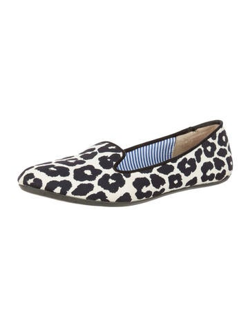 Leopard Print Round-Toe Loafers