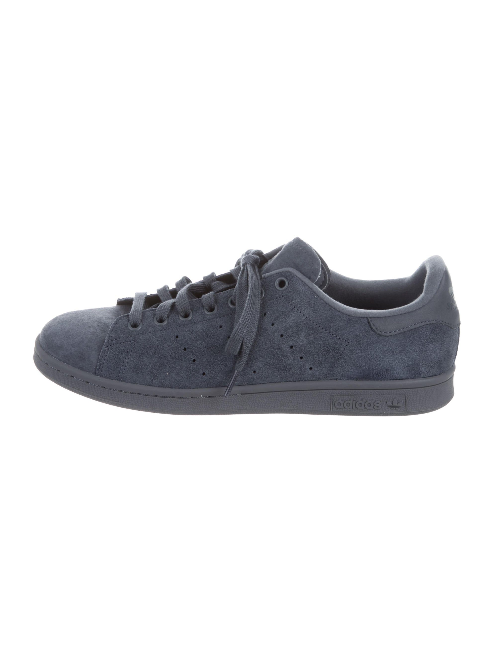 adidas suede stan smith sneakers shoes w2ads20286 the realreal. Black Bedroom Furniture Sets. Home Design Ideas