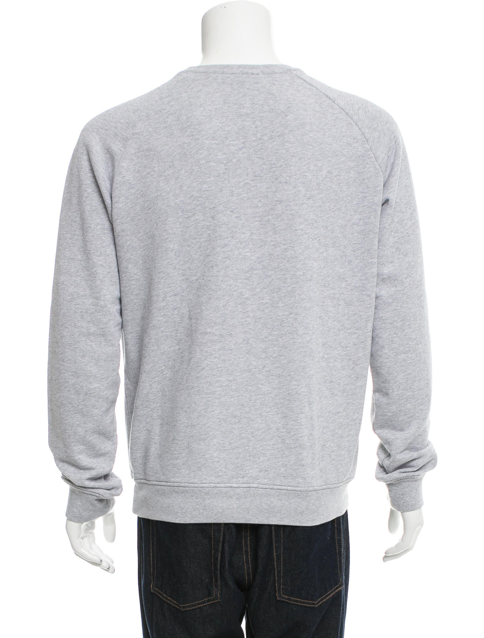 In spring, use a graphic crew neck sweatshirt as a top layer over your skinny jeans and a tomgirl tee to celebrate your chance to get outdoors after a long winter. Once the summer sun beckons, you may think it's time to put away your sweatshirts.