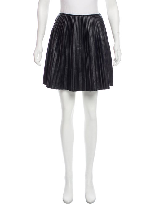 c6756a7ec9e MSGM Pleated Faux Leather Skirt - Clothing - W3G23344 | The RealReal