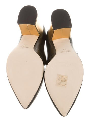 Ambrasioa Pointed-Toe Pumps w/ Tags