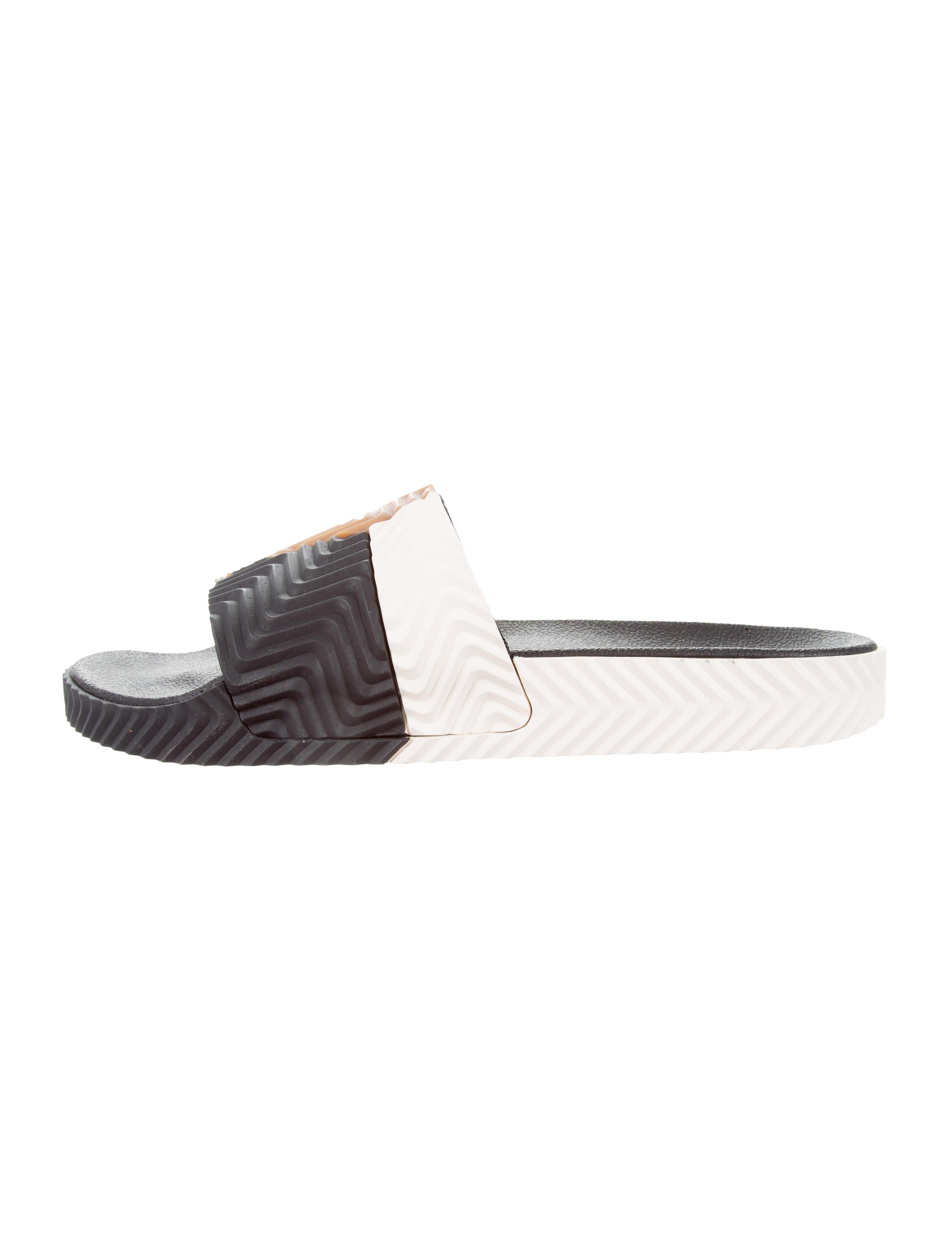 the latest fcaa8 6ec02 Adilette Slide Sandals