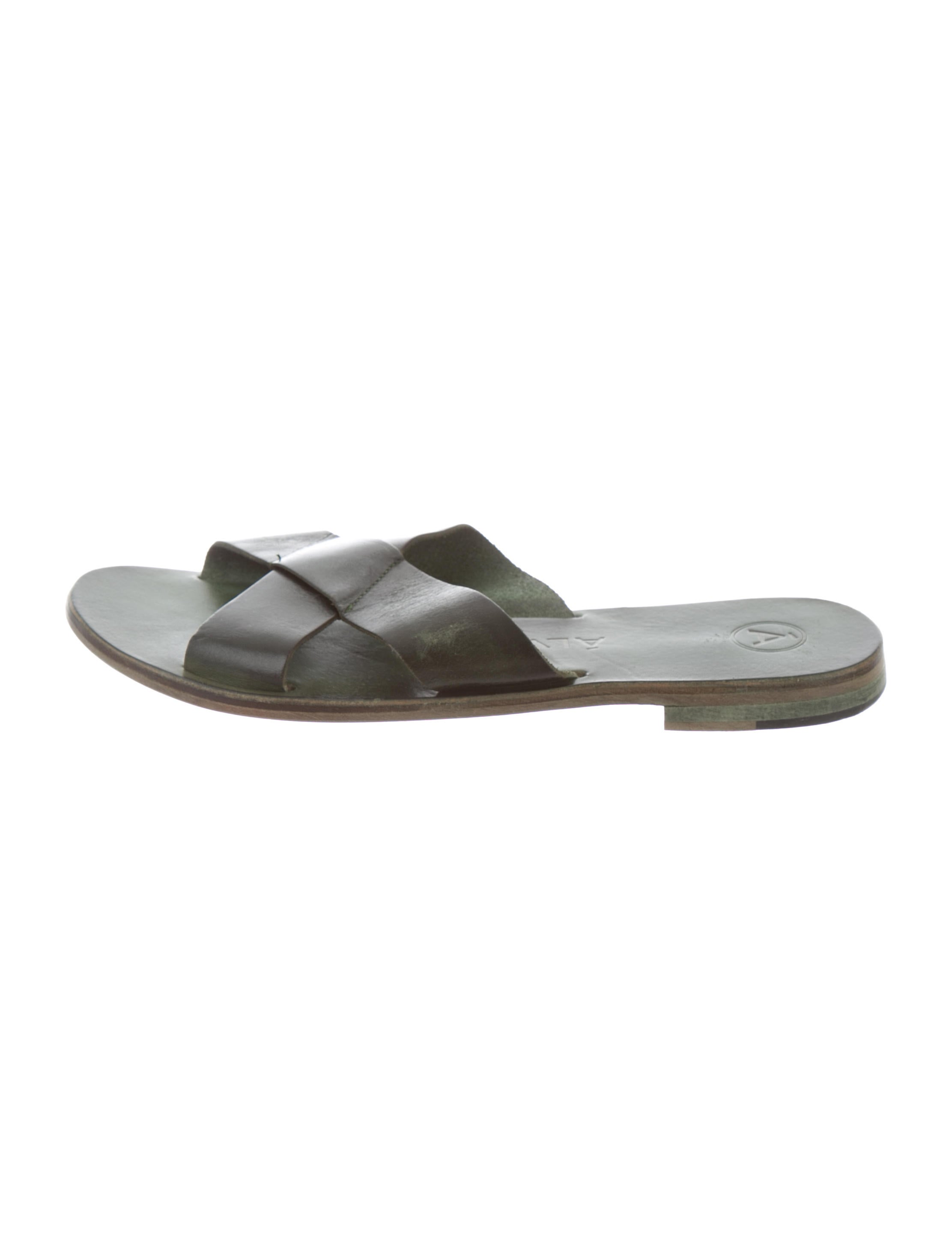 e8a4612034d7 Álvaro Antonio Slide Sandals - Shoes - WALGO20046