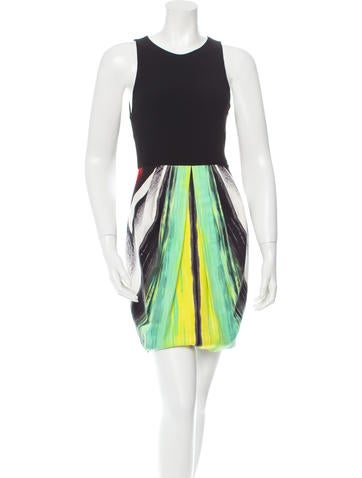 Alice + Olivia Sleeveless Printed Dress
