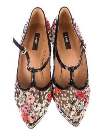 Floral Silk Platform Pumps