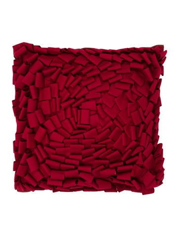 Bloomingdale s Wool Throw Pillows - Bedding And Bath - WBLOO20003 The RealReal