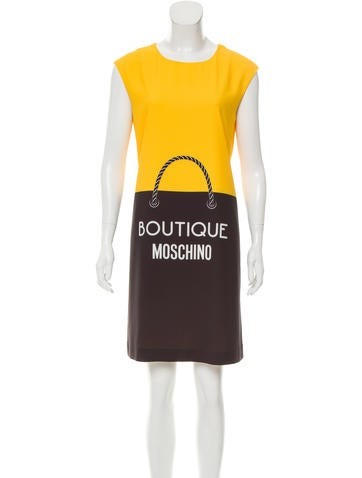 Boutique moschino logo colorblock dress w tags clothing for Boutique labels clothing