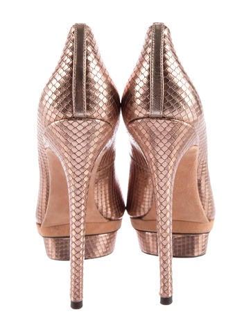 Embossed Metallic Platform Pumps