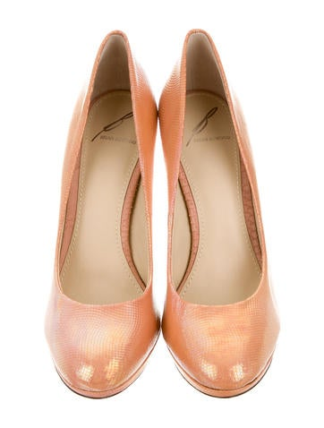 Iridescent Textured Pumps