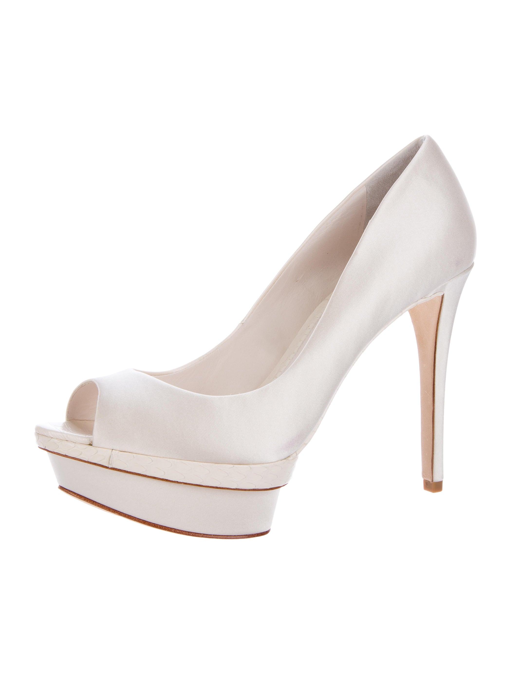 b brian atwood satin platform pumps shoes wbn22108. Black Bedroom Furniture Sets. Home Design Ideas