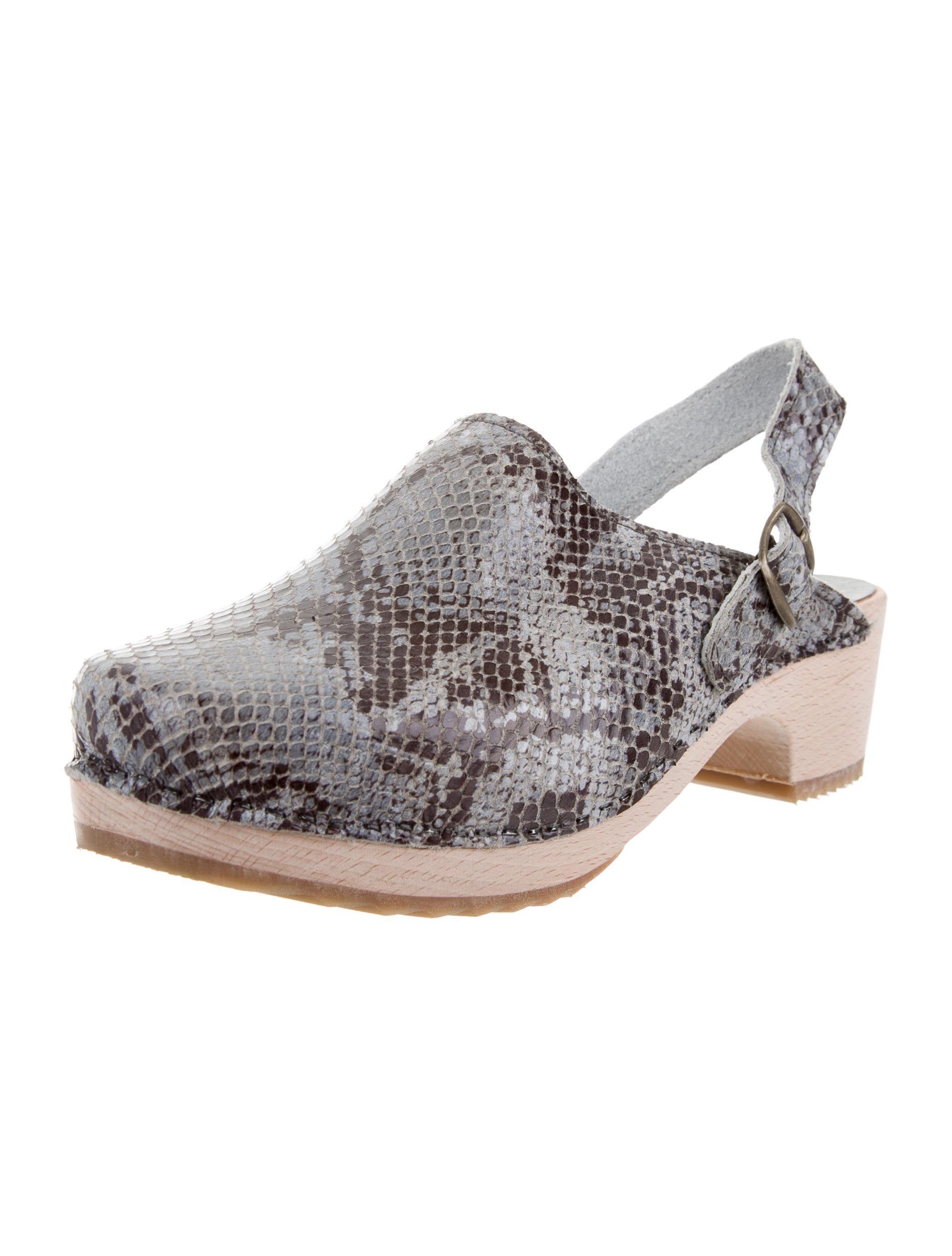 Bonpoint Snakeskin Buckle-Accented Clogs with paypal sale wiki buy cheap with paypal supply online get authentic qixsKu0H