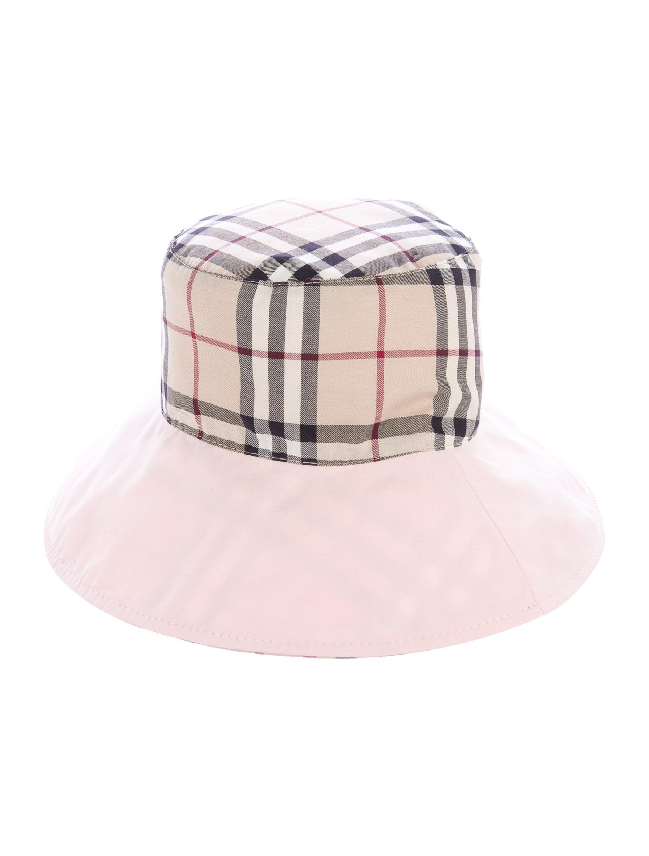 Burberry London Nova Check Bucket Hat w  Tags - Accessories ... 22e71d1662c