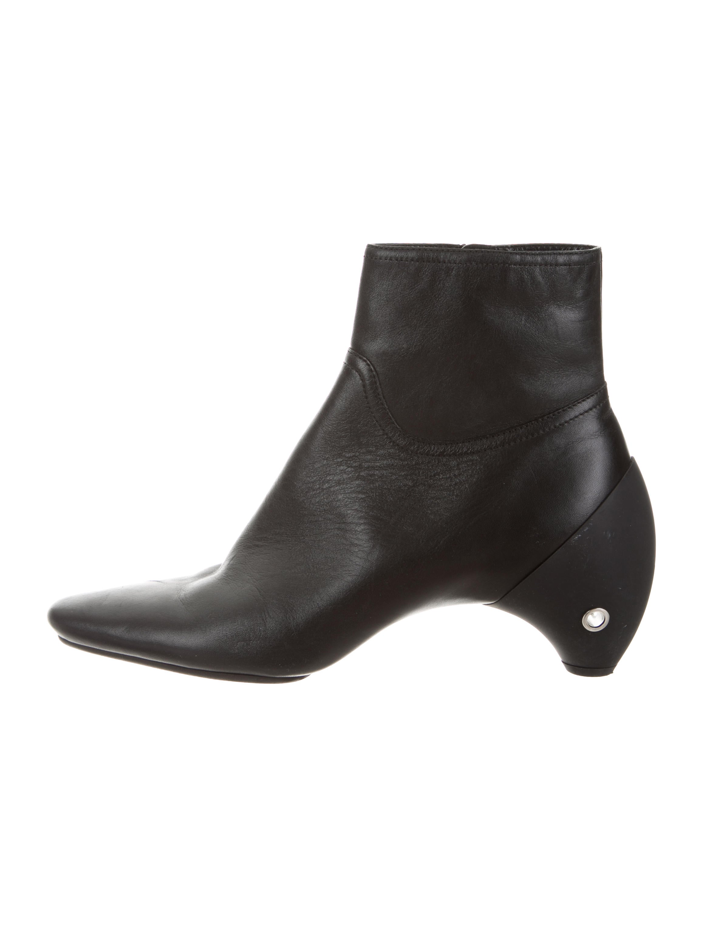Courrèges Leather Round-Toe Ankle Boots discount big discount 0UBmP8vw5b