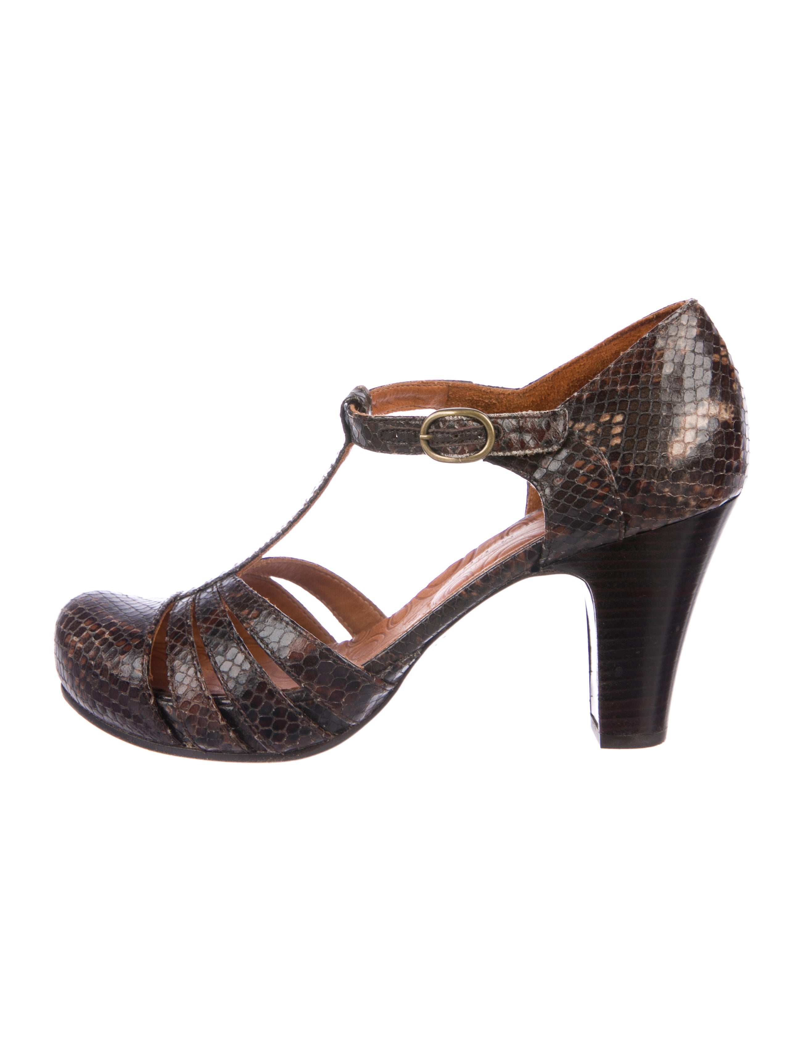 cheap price outlet cheap ebay Chie Mihara Embossed Leather Sandals buy cheap sale QGEWA6E7F