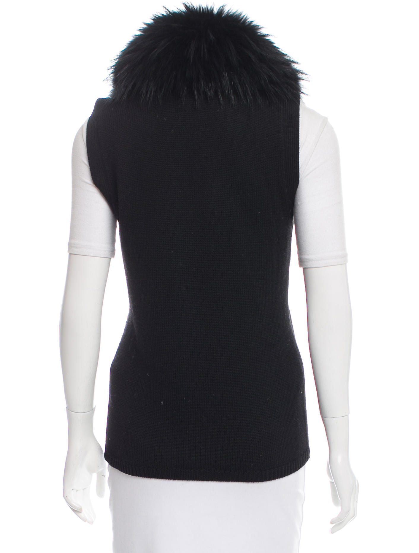 Men's & Women's Real Fur Vests From Glacier Wear Furs & Leather. Beautiful All Fur Vests Will Soon Become Your Favorite Wardrobe Accessory With Formal Wear Or Jeans! Select Quality Furs, Choose From Beaver, Coyote, Fox, Mink, Bobcat, Lynx and More. Buy Direct And Save, Made in USA.