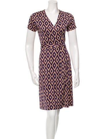 Diane von Furstenberg Short Sleeve Silk Wrap Dress