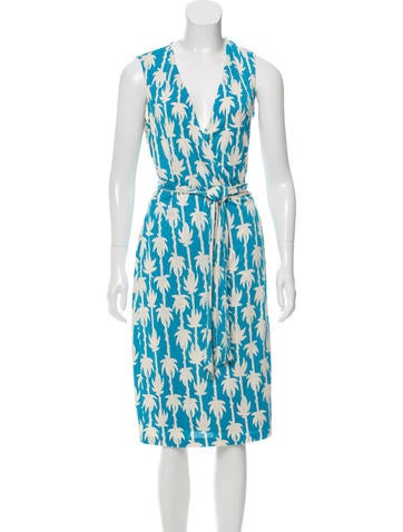 Diane von Furstenberg Silk Printed Dress None