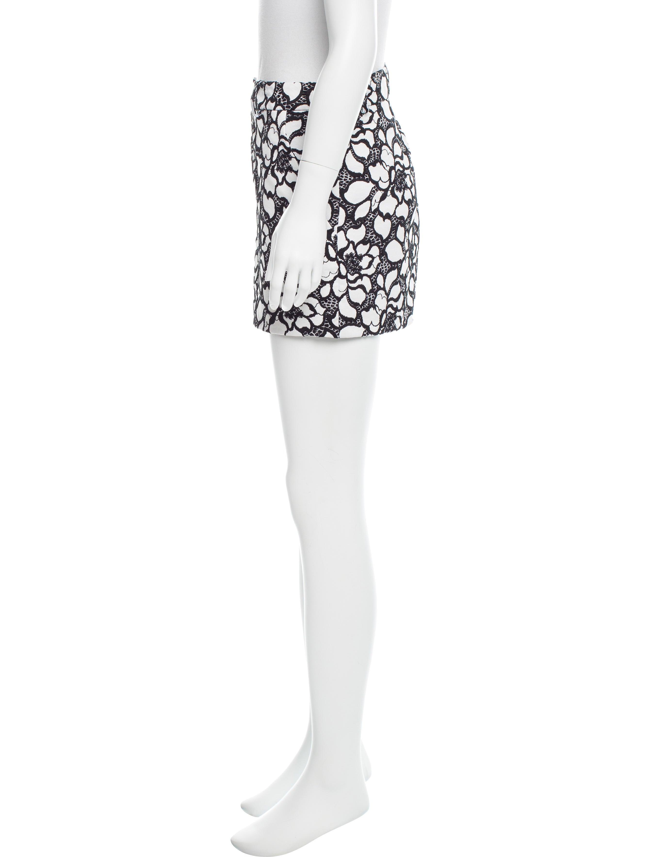 Diane von furstenberg napoli floral embroidered shorts