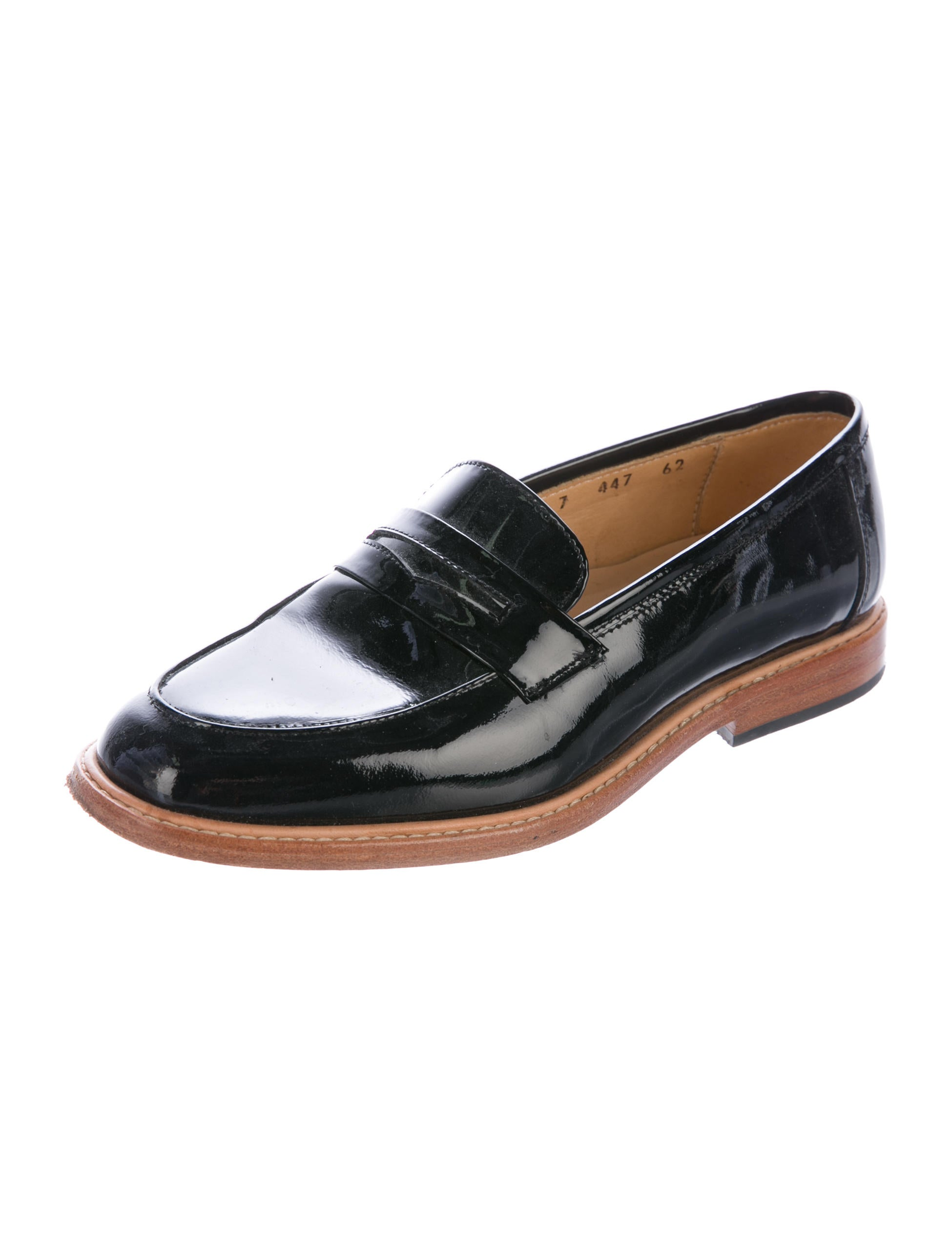 Free shipping on women's loafer flats, slip-on flats, and flat moccasins for women at ditilink.gq Shop from top brands like Tory Burch, TOMS, Sam Edelman and more. Totally free shipping & returns.