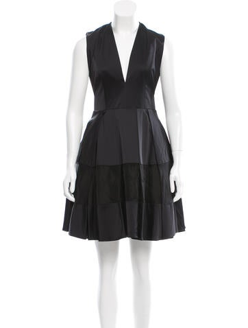 Alexis Sleeveless Cocktail Dress w/ Tags None