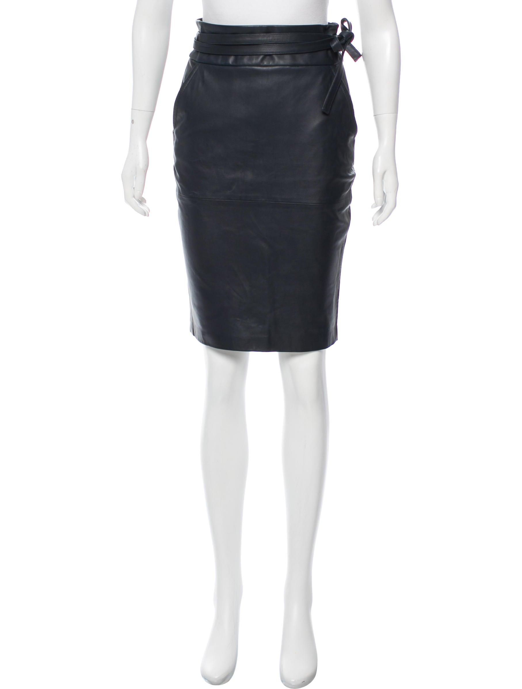 d4b1300dad4 Frame Denim Knee-Length Pencil Skirt - Clothing - WFD31121