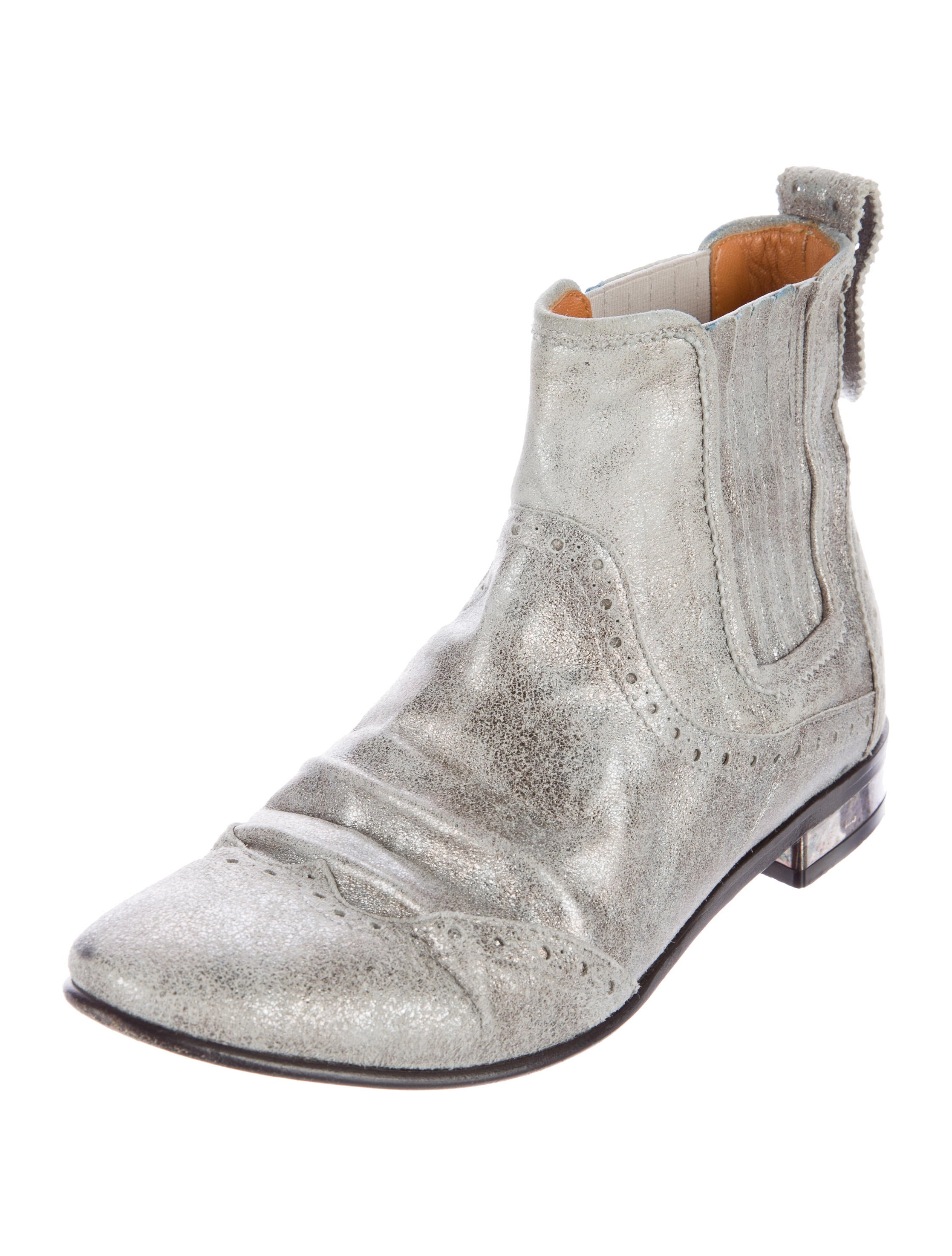 golden goose perforated ankle boots shoes wg522279
