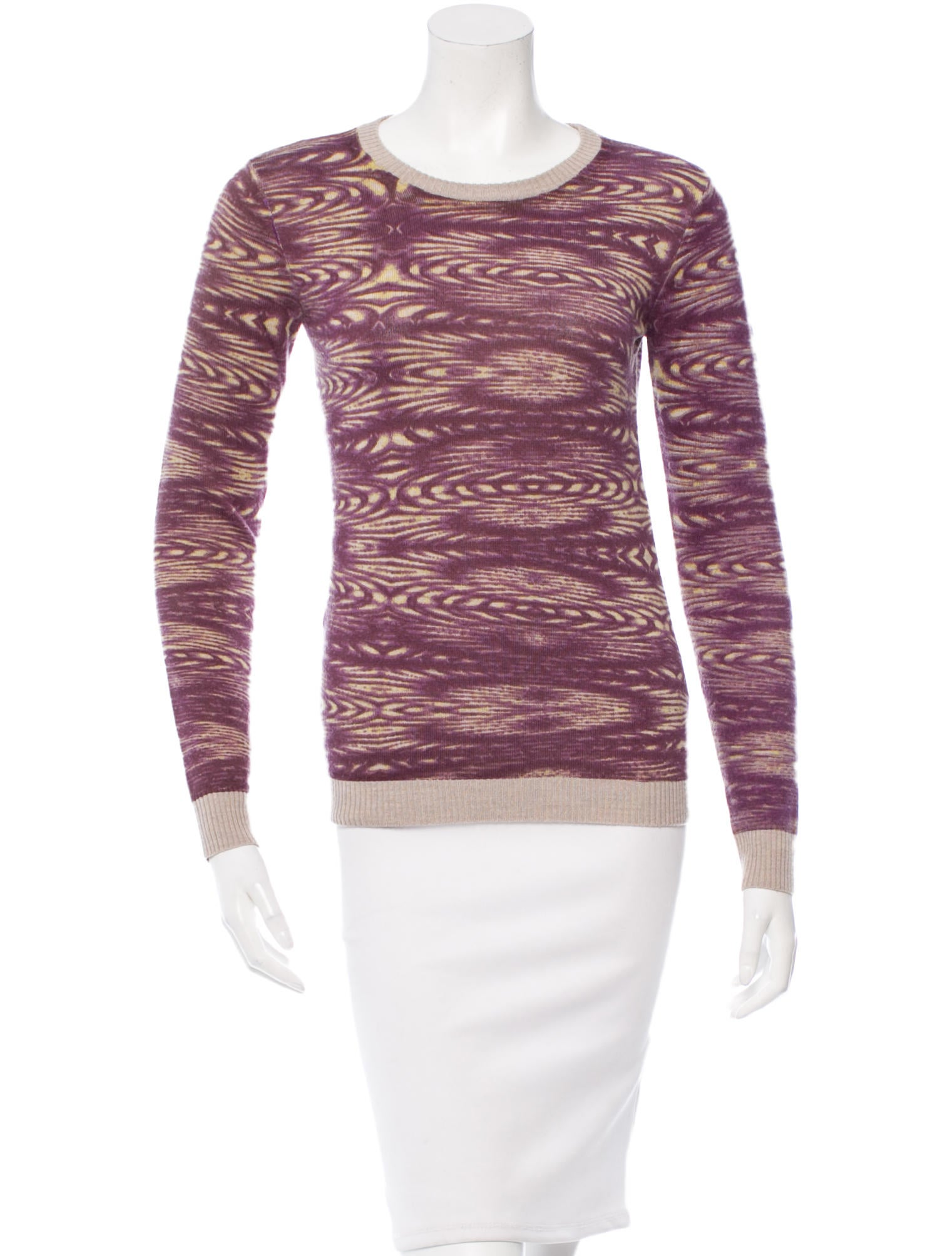 This cozy merino wool sweater/sweatshirt hybrid features a jacquard knit leopard pattern (meaning it's woven right into the design). It's a total upgrade to your favorite everyday pullover.