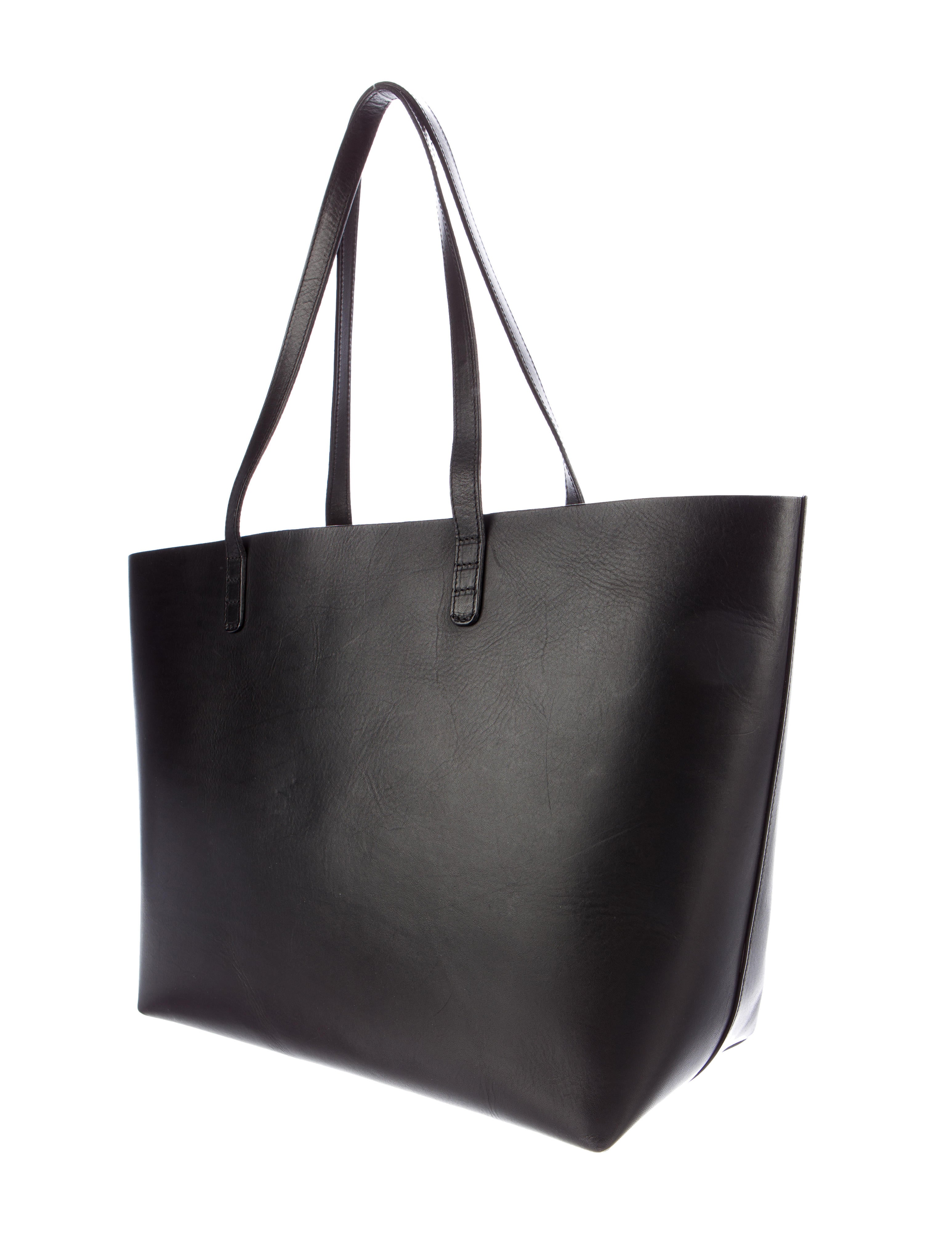 You're in Handbags & Totes