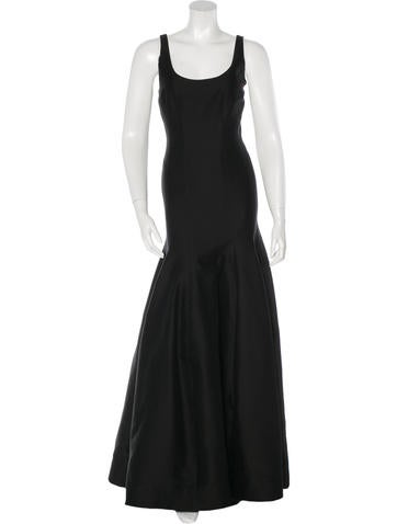 Halston Heritage Sleeveless Scoop Neck Gown None