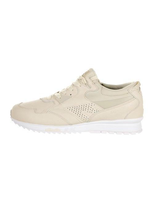 Hi-Tec Hts74 HTS Badwater Low-Top Sneakers