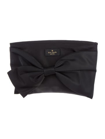 Bow-Accent Clutch