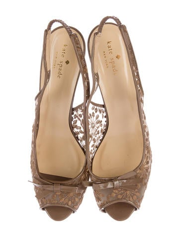 Embroidered Platform Sandals