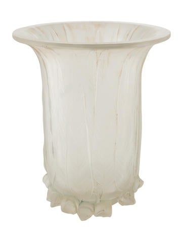 Lalique Leaf Accented Bud Vase Decor And Accessories Wlq24036
