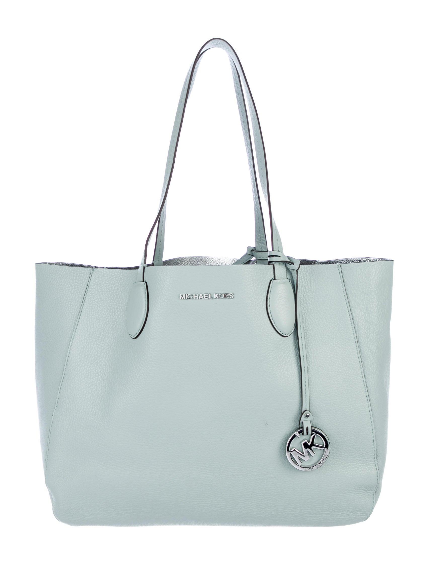 92e77d6cc40b Michael Michael Kors Izzy Large Reversible Tote w/ Tags - Handbags ...