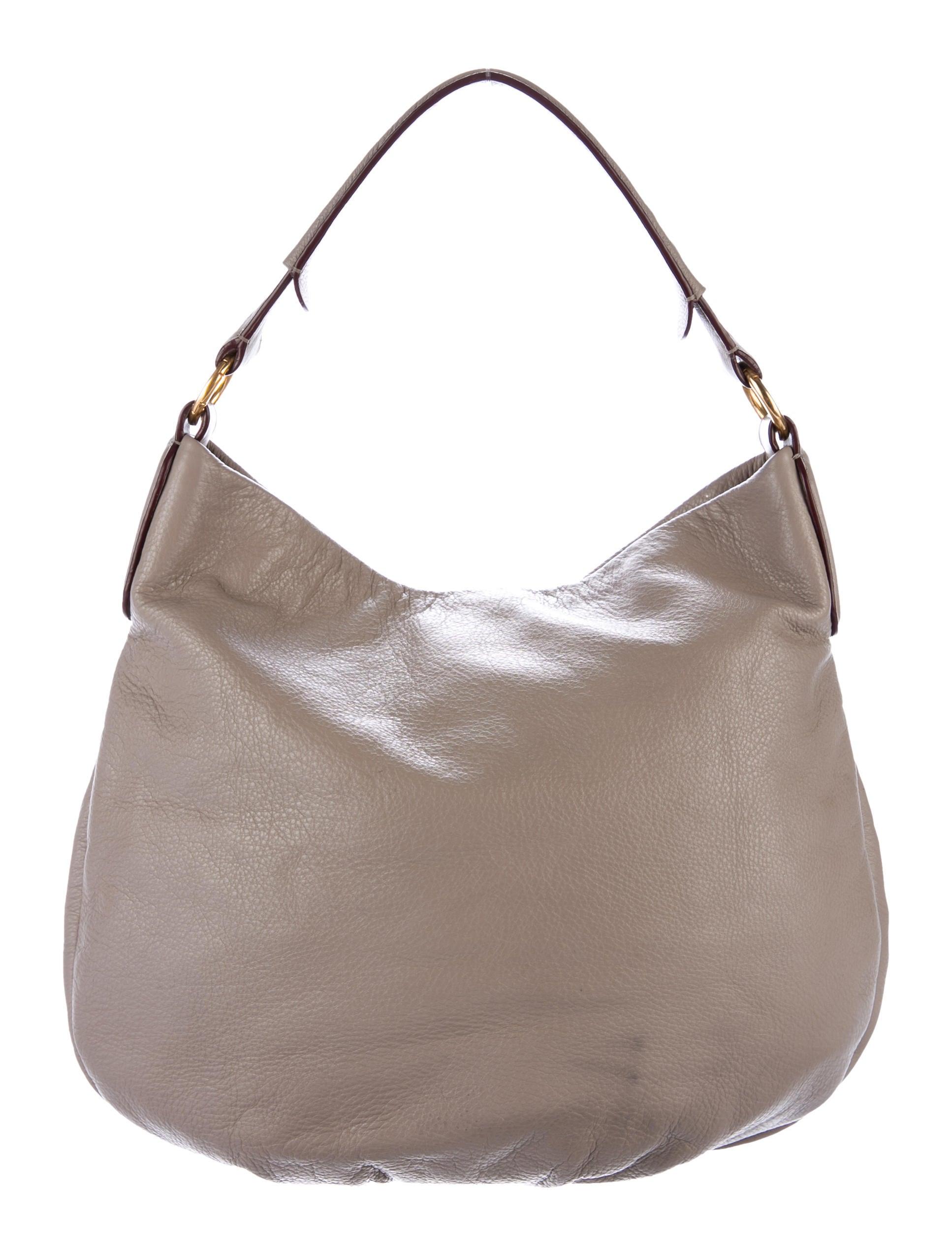 marc by marc jacobs pebbled leather hobo handbags. Black Bedroom Furniture Sets. Home Design Ideas
