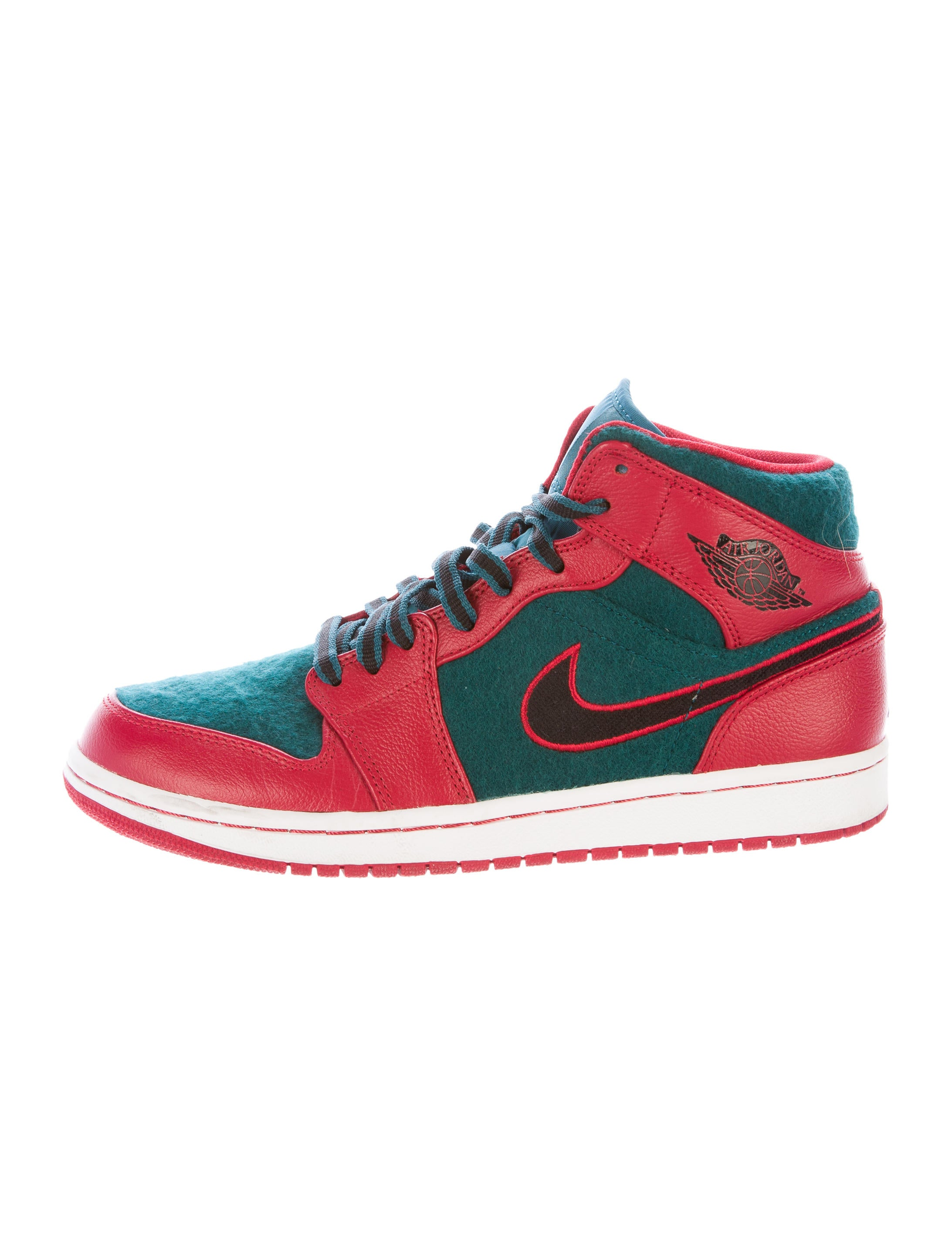 Mid Top Nike Shoes