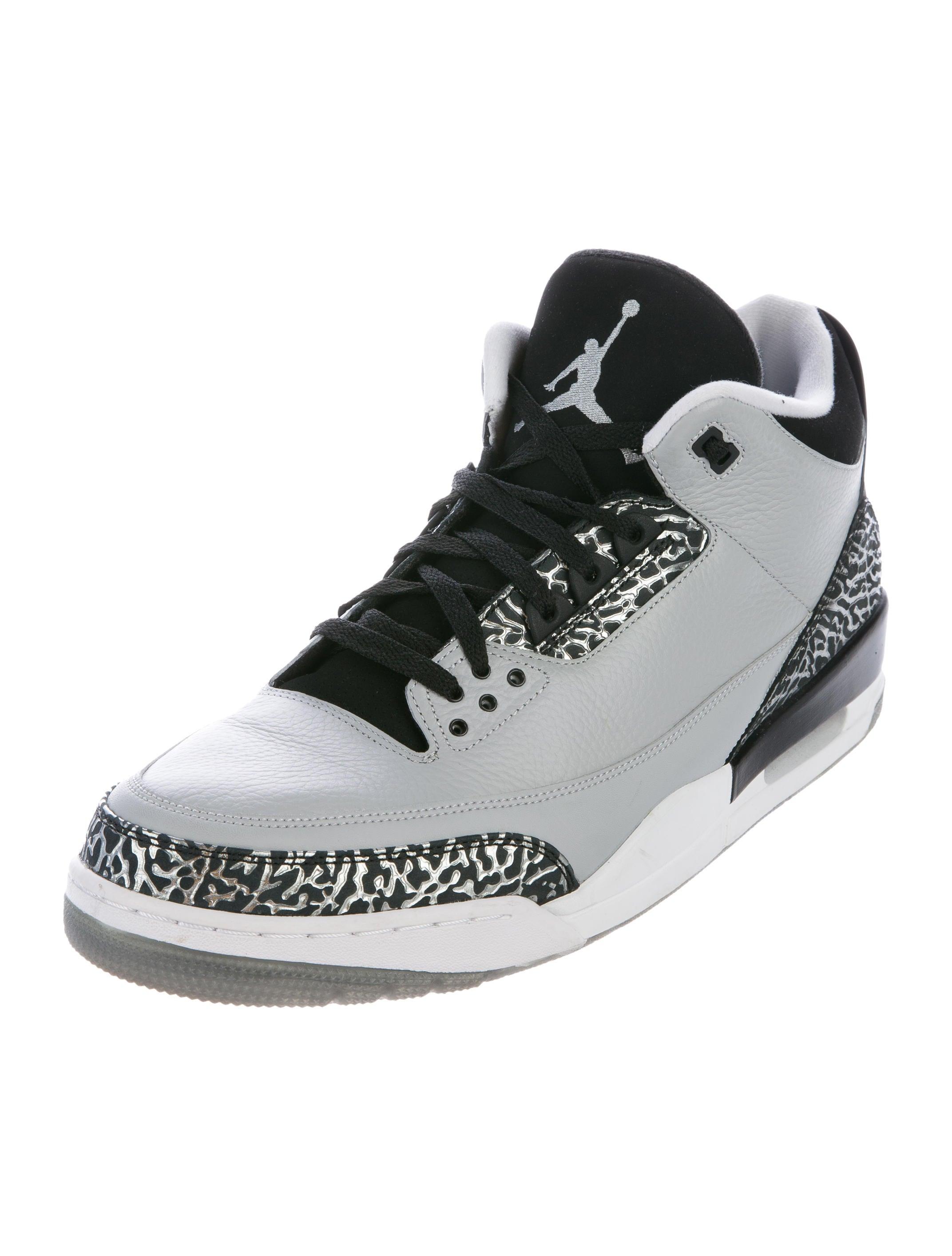 nike air jordan 3 retro wolf grey sneakers shoes wniaj20401 the realreal. Black Bedroom Furniture Sets. Home Design Ideas