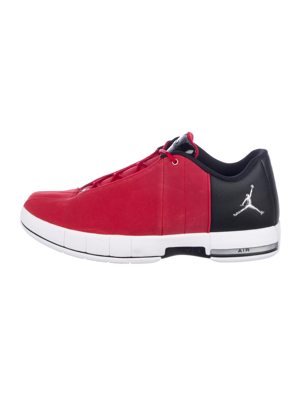 buy popular 3f1c3 a9131 Nike Air Jordan TE 2 Low-Top Sneakers w/ Tags - Shoes ...