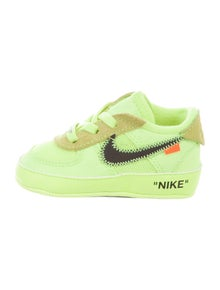 sports shoes f5c38 e2db4 Off-White x Nike. Infant Boys  Air Force 1 Low CB Volt ...