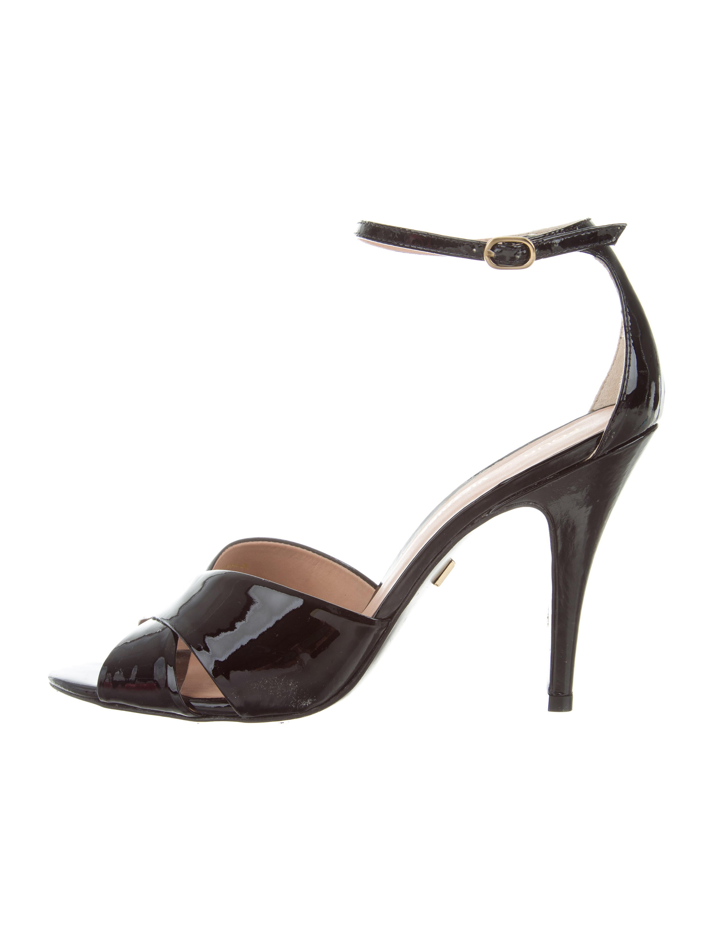 Pour La Victoire Crossover Ankle-Strap Sandals buy cheap cheapest price marketable sale online zH7LJ
