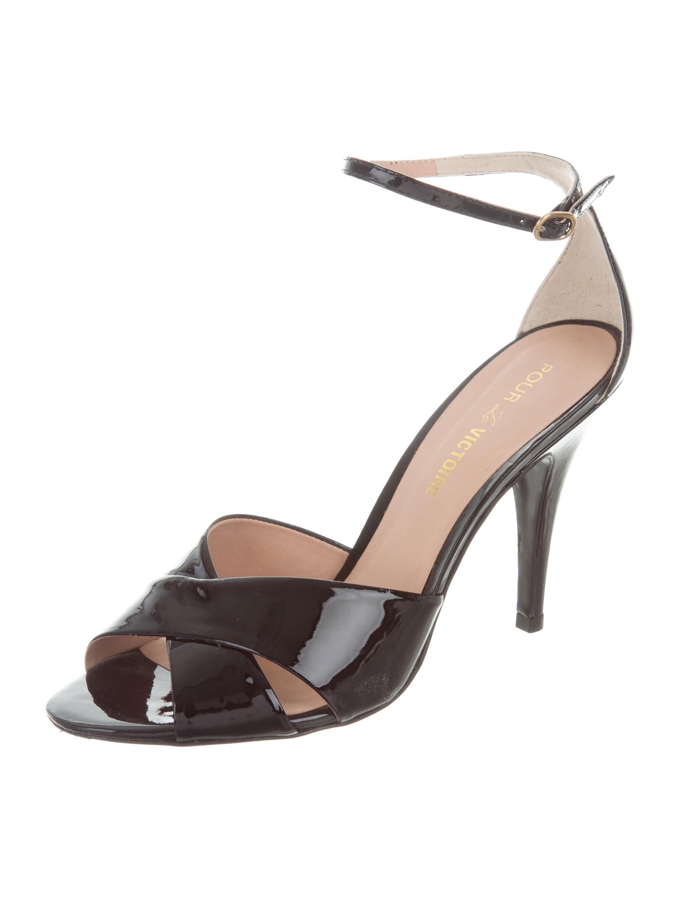 Pour La Victoire Crossover Ankle-Strap Sandals reliable online RRbLK