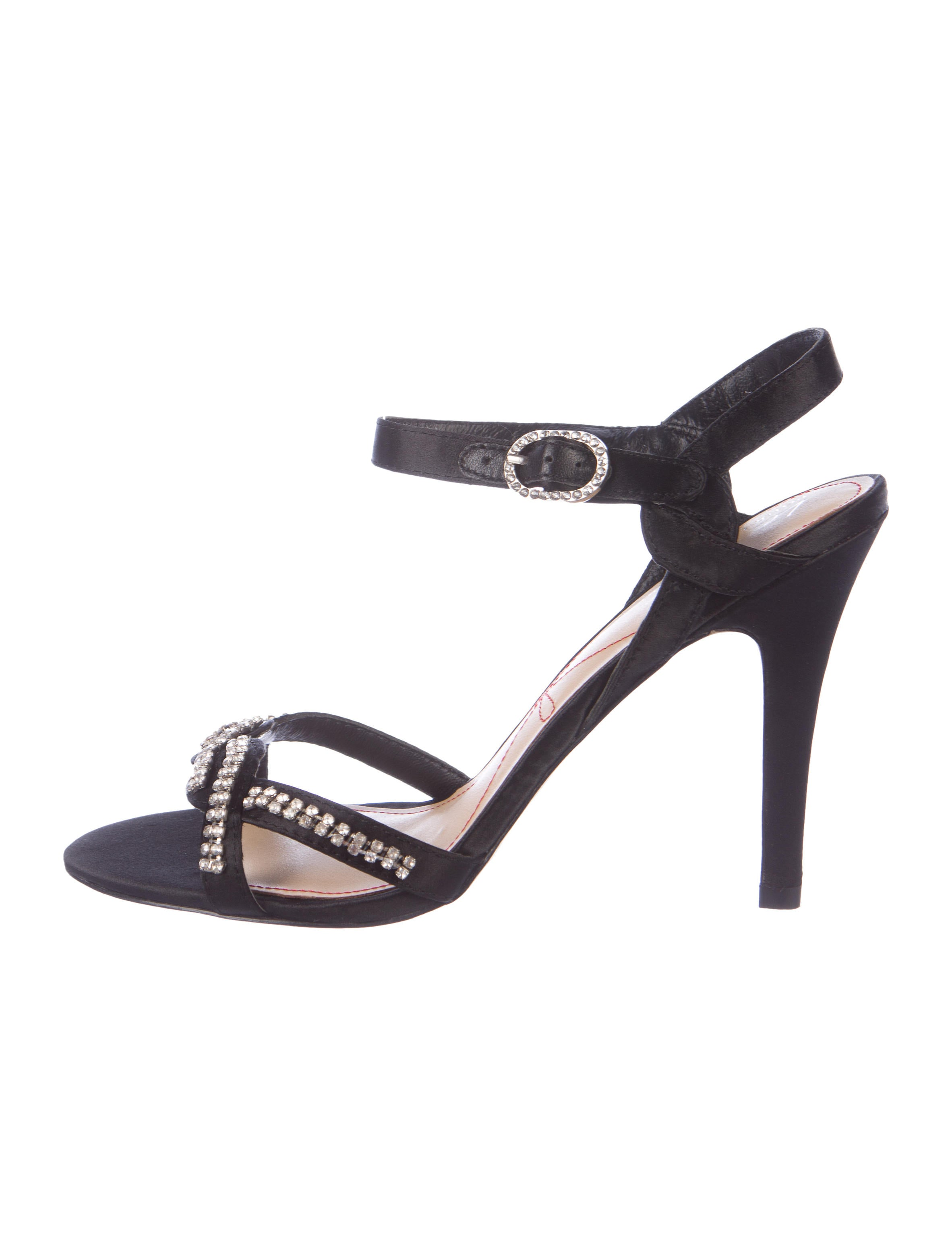 Pour La Victoire Crystal-Embellished Satin Sandals outlet locations online mPyMgHB6c