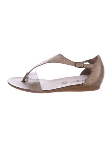 Vera Wang Lavender Label Leather Embellished Sandals cheap best stockist online cheap browse cheap sale hot sale cheap sale best place Kp84O8Gd