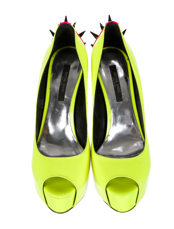 ruthie davis spiked platform pumps shoes wr320870
