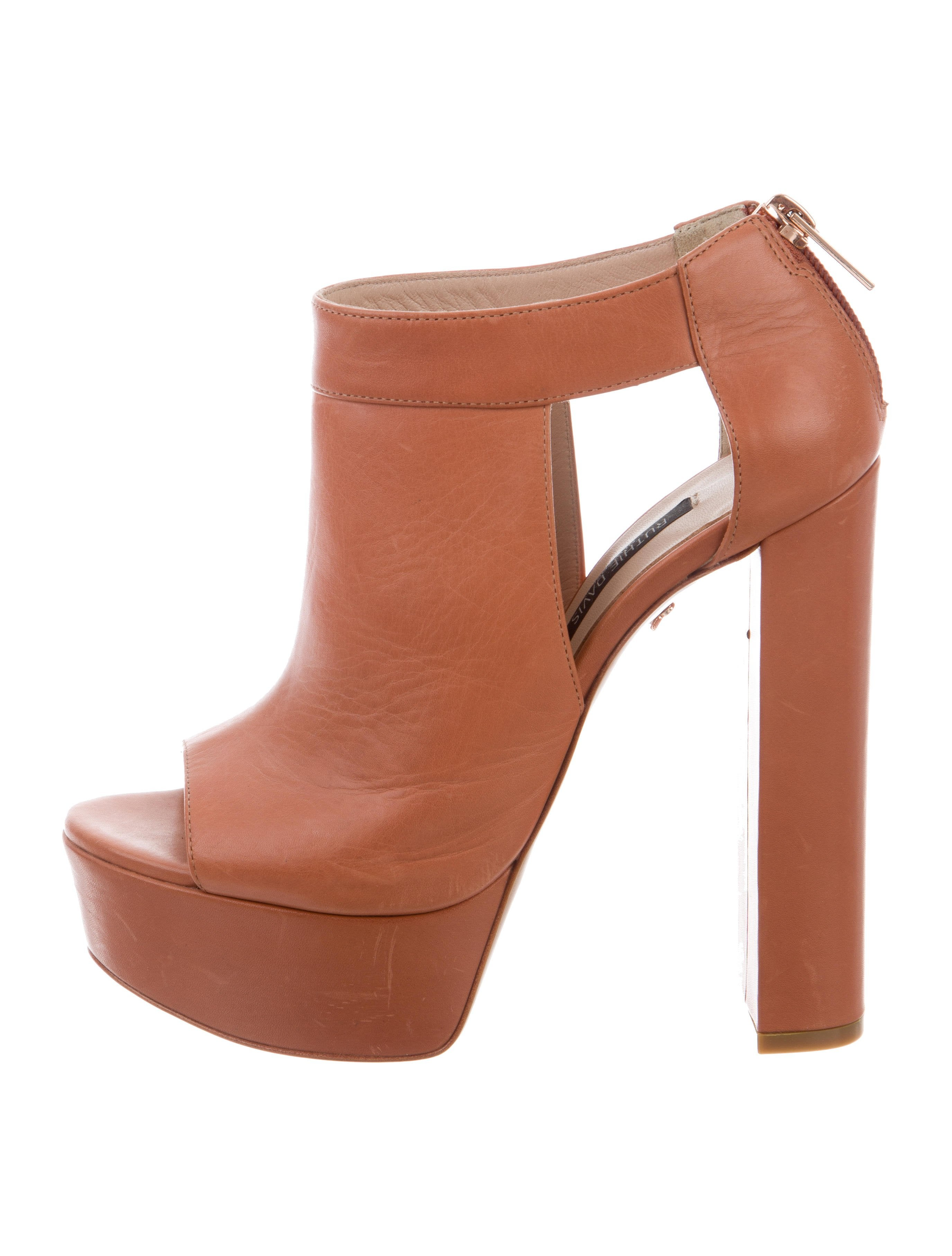 footaction classic online Ruthie Davis Campbell Platform Booties discount in China pictures online ULUvKJOjc