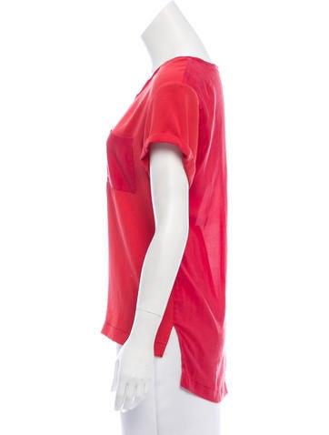 Short Sleeve Scoop Neck Top