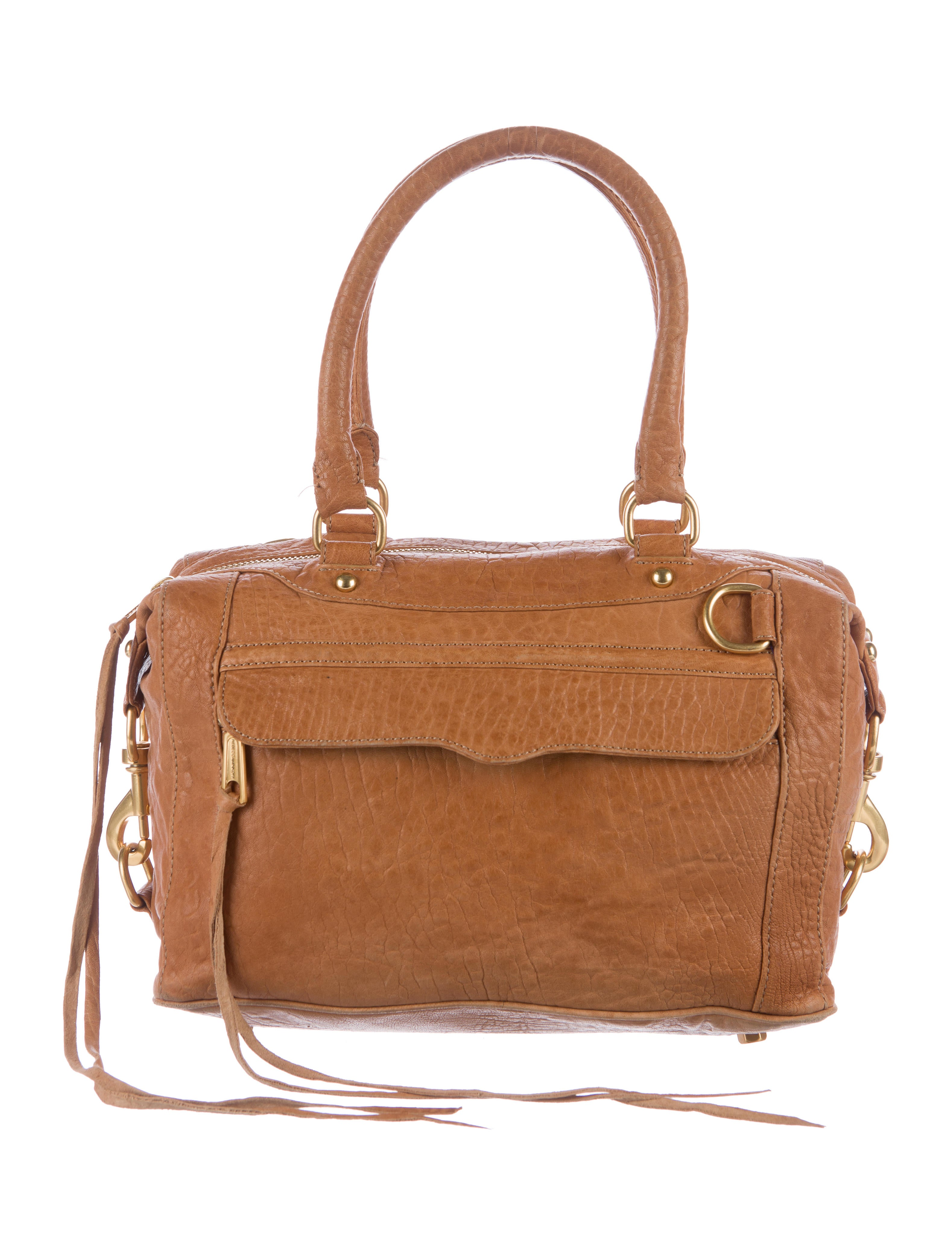 A Rebecca Minkoff Outlet can be an ideal choice for you. A Rebecca Minkoff outlet is a fire sale of old collections. These are unsold goods from previous seasons or years. Rebecca Minkoff outlet has brand new, not worn products, which you can get in outlets at a fraction of its original price.