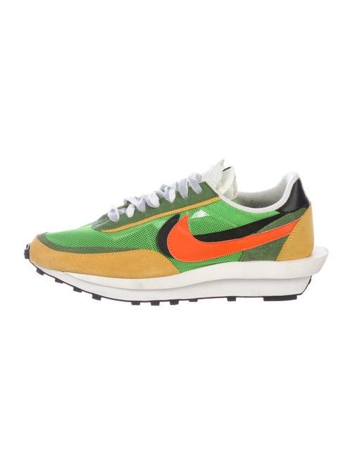 Sacai x Nike LDWaffle Green Gusto Sneakers green
